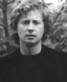 Marek Grechuta. Polish singer, poet, composer and painter. http://www.lastfm.pl/music/Marek+Grechuta