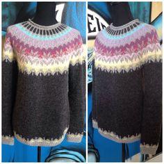*15026* Deze mooie trui is gebreid met Alpaca van Drops. Het model is rond gebreid vanaf het onderboord en later zijn de mouwen en pas samen op een rondbreinaald gebreid dus naadloos. Wat een beauty he??  model is van Istex : anniversary model.
