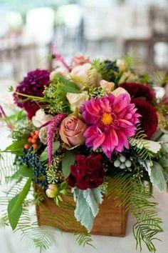 ღ.¸¸.✿❤  Love this for table decor!  #moabflowers #moabflorist #moabweddings
