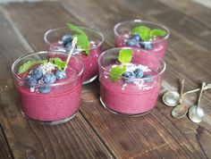 nyttig blåbärssmoothie mejerifri Lchf, Granola, Acai Bowl, Juice, Paleo, Food And Drink, Pudding, Fruit, Breakfast