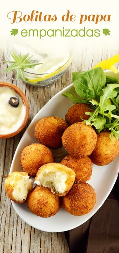 Bolitas de Papa empanizadas The recipe for breaded potato balls is the perfect snack, easy, rich and economical. Potato bombs are very simple to prepare, and with a very rich flavor. It is a delicious breaded and fried mashed potatoes.