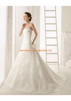 2013 Luxuriöse Brautmode aus Tüll und Satin mit Spitze und Schleppe A-Linie