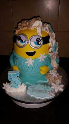 Elsa From Disney S Frozen Minion Mash Up Minion Cakes By