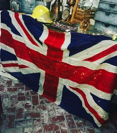 @vintagemoffat has a giant vintage Union Jack flag in her space in VERY good condition. #fourthstreetantiques #antiquestore #vintagestore #antiques #vintage #temecula #temeculaantiques #murrieta #sandiegovintage #temeculavintage #furniture #antiqueshopping #antiquing #temeculawinecountry #shabbychic #furniture #shoppingintemecula #french #cottagechic #vintageweddings #decorating #vintagestyle #farmstyletemecula #farmhousestyle #vintageinspiration #temeculaweddings #temeculadecor…