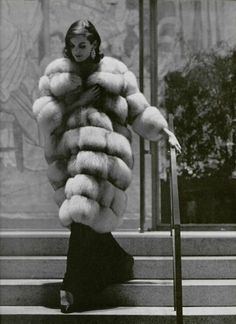 Vintage Fur, Vintage Ladies, Retro Vintage, Vintage Ideas, Vintage Designs, Vintage Photos, Vintage Style, Swinging London, Fox Fur Coat