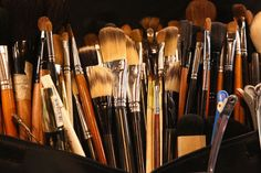 A Guide to Makeup Brushes: Every Kind You Need and How to Use Them | StyleCaster
