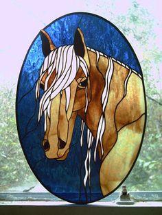 Glas in lood, een paard zou ik voor dochterlief wel mogen maken ;-)