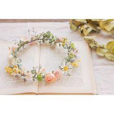... ハワイロケーションフォトでお使い頂く2歳のお子様用の花冠 可愛らしい色合いで、ナチュラルにおつくりしました♪ . #ウェディング#wedding#花冠#2歳#ロケーションフォト#花飾り#ヘアアクセサリー