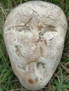 Portable Rock Art and Figure Stones - Eoliths: Ancient Stone Face Effigy.