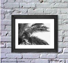 Great gift for photography lovers. Digital printing: Black & White Palm Tree digital photography – a unique product by Elisa-Neubaue via en.DaWanda.com