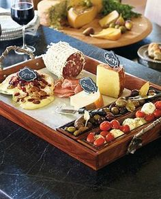 Take your next wine and cheese party to a new level with the Tuscan Cheese Serving Tray Set that offers you a way to easily serve your best cheeses, meats, olives and more.