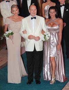 Albert und seine Frauen: Gemeinsam mit Prinzessin Stephanie posierte   Dürfen wir vorstellen: Die nächste königliche Mama!   POPSUGAR Celebrity Germany