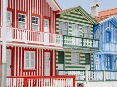 Risultati immagini per foto portogallo case a strisce