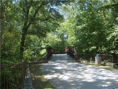 Alpharetta, GEORGIA  -- BIG CREEK GREENWAY is primarily a 12-foot wide concrete path that meanders through the deciduous woods along Big Creek. The greenway offers an ideal setting for walking, jogging, inline roller blading, and biking. Dirt mountain bike trails are located on the east side of the creek 2/5 mile south of Webb Bridge Road.