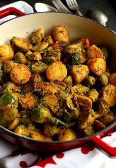 Brukselka ziemniaki oliwki L_06 Sprouts, Vegetables, Food, Meal, Essen, Vegetable Recipes, Hoods, Brussels Sprouts, Meals