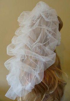 The Eloise bespoke wedding veil, no diamantes, front view