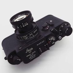 """ถูกใจ 2,093 คน, ความคิดเห็น 7 รายการ - LeicaCraft™ Official (@leicacraft) บน Instagram: """"Blacked out custom classic... from @japancamerahunter   #leicacraft #kameracraft #leica…"""""""