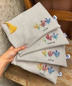 Новости Embroidery Sampler, Embroidery Bags, Cute Embroidery, Silk Ribbon Embroidery, Hand Embroidery Patterns, Embroidery Stitches, Sewing Crafts, Sewing Projects, Hessian Bags