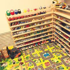 Hot Wheels Storage, Toy Car Storage, Hot Wheels Display, Matchbox Car Storage, Boy Car Room, Truck Room, Kids Garage, Car Themed Bedrooms, Construction Bedroom