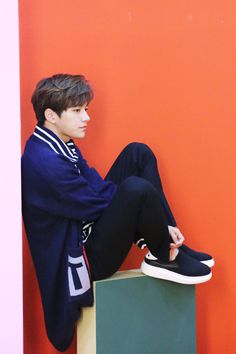 He's just sitting there and look amazing Asian Actors, Korean Actors, K Pop, Dramas, Vampire Boy, L Infinite, Lee Sungyeol, Kim Myung Soo, Eric Nam