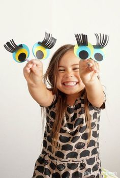 Easy Paper Finger Puppet Craft for Kids made from paper scraps- Tutorial
