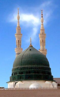 most popular masjid.masjid e nabwi . Islamic Qoutes, Islamic Images, Islamic Pictures, Islamic Art, Islamic Messages, Al Masjid An Nabawi, Mecca Masjid, Masjid Al Haram, Mecca Wallpaper