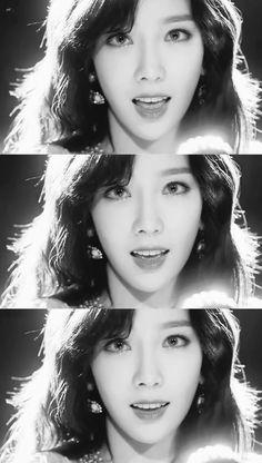 ❤ SNSD ❤ Kim TaeYeon ♡ 김태연 ♡ Snsd, Sooyoung, Yoona, Taeyeon Gif, Girls' Generation Taeyeon, Girls Generation, Kpop Girl Groups, Kpop Girls, Yuri