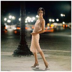 tous les jours millésime: 34 Mode Photos Jamais vu auparavant qui a capturé les robes somptueuses et iconiques de Christian Dior à partir des années 1950 et 1960
