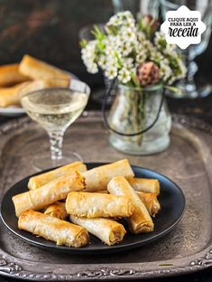 Caramelised Pear & Gorgonzola (or blue cheese) Cigars in Phyllo canape Kebabs, Appetizers For Party, Appetizer Recipes, Antipasto, Brunch, Fabulous Foods, Food Inspiration, Food Photography, Yummy Food