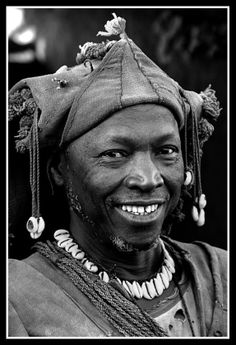 Africa | Shaman - Chief of the village in the Dogon Country. Mali | ©Clara Cabezas