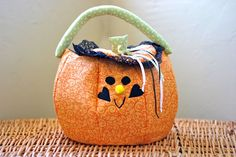 barefoot in the kitchen: pumpkin trick-or-treat bags, a tutorial