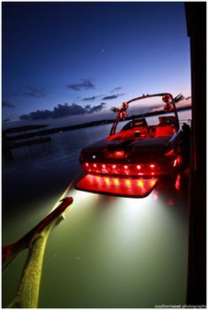 Cool lighting for a small powerboat. Ski Boats, Cool Boats, Boat Dock, Pontoon Boat, Speed Boats, Power Boats, Malibu Boats, Wakeboard Boats, Sailboat Plans