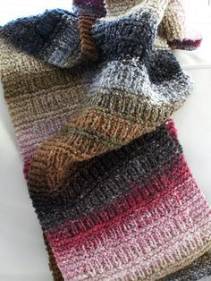 Free Ravelry Scarf pattern by Megan delorme, Noro yarn Loom Knitting, Knitting Stitches, Knitting Patterns Free, Knit Patterns, Free Knitting, Free Pattern, Finger Knitting, Free Scarf Knitting Patterns, Knitting Websites