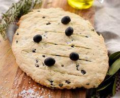 Fougasse aux olives et à l'huile d'olive : Recette de Fougasse aux olives et à l'huile d'olive - Marmiton