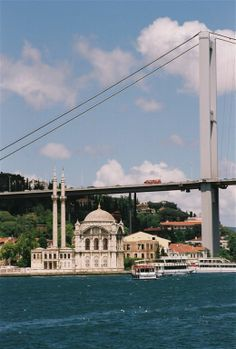 Bogaziçi Bridge, Istanbul, Turkey by Christophe Cario