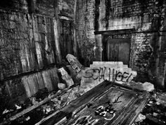 """Der Schicksalskrimi aus dem Hungerwinter 1946/47 – """"Der Trümmermörder"""" von Cay Rademacher http://www.krimi-tick.de/2014/09/30/der-schicksalskrimi-aus-dem-hungerwinter-194647-der-truemmermoerder-von-cay-rademacher/"""