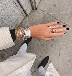 My favorite winter nails, winter nails designs, and winter nails colors #winternails #winternailcolors Jewelry Trends, Jewelry Accessories, Fashion Accessories, Danielle Bernstein, Ring Set, Travel Jewelry, Tips Belleza, Beautiful Watches, Winter Nails