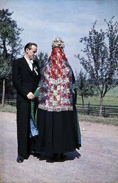 Brautpaar aus Bauerbach, 1953  #Marburg #katholisch