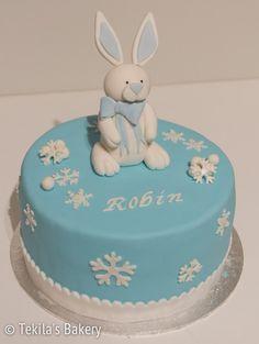 Winter fondant cake with snowflakes and bunny. Glutenfree, eggfree cake. www.tekila.fi