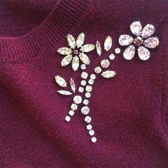 WEBSTA @ katespadeny - when sweater met sparkle. Embroidery On Kurtis, Kurti Embroidery Design, Hand Embroidery Dress, Bead Embroidery Patterns, Bead Embroidery Jewelry, Embroidery Fashion, Hand Embroidery Designs, Beaded Embroidery, Motifs Perler
