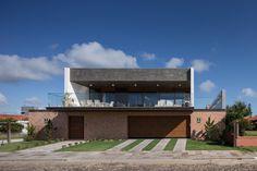 Casa Beira Mar / Seferin Arquitetura