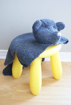 "Knit a ""bear-skin rug"" for your little cub with this downloadable pattern. #DIY #etsykids"