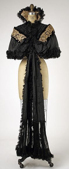Cape House of Worth  (French, 1858–1956) Date: 1893–99 Culture: French Medium: silk, linen Dimensions: Length at CB: 21 in. (53.3 cm) Credit Line: Gift of Miriam Whitney Coletti, 1985