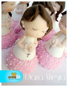 favoritos Fimo Clay, Polymer Clay Projects, Polymer Clay Charms, Clay Crafts, Fondant People, First Communion Cakes, Clay Baby, Cute Clay, Fondant Toppers