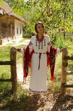 How to meet Eastern European brides? Women from Ukraine and Russia are looking for good, honest and reliable men like you! Find your love easy! Eslava, Ukraine Women, Ethno Style, Folk Fashion, Russian Fashion, Folk Costume, Costumes, Traditional Dresses, Most Beautiful Women