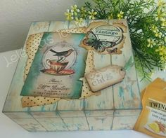Leledasideias Decoupage Glass, Decoupage Box, Decoupage Vintage, Painted Boxes, Wooden Boxes, Hand Painted, Lace Painting, Painting On Wood, Altered Boxes
