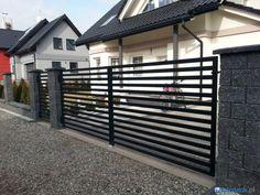 piaskowe ogrodzenie grafitowe przesla - Szukaj w Google Modern Fence, Iron Gates, Garage Doors, House Design, Landscape, Outdoor Decor, Google, Gardening, Home Decor