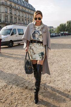 Miranda Kerr Photos - Miranda Kerr Keeps Busy in Paris - Zimbio    1      1