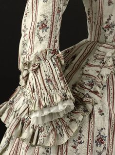 1780s caraco and petticoat. Musee Galleria. Fripperies and Fobs