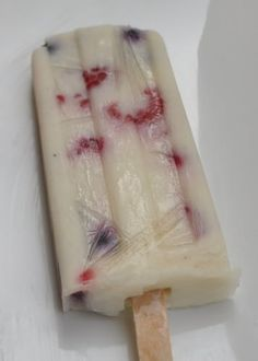 Red, White and Blue Popsicles - a delicious treat for the 4th of July! - Oh Lardy